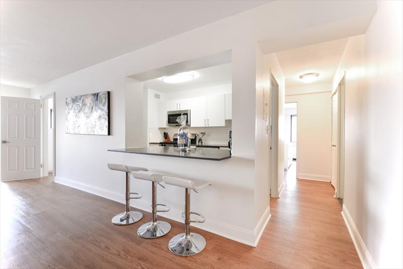 Breakfast bar at 10 Emerson Place Apartments
