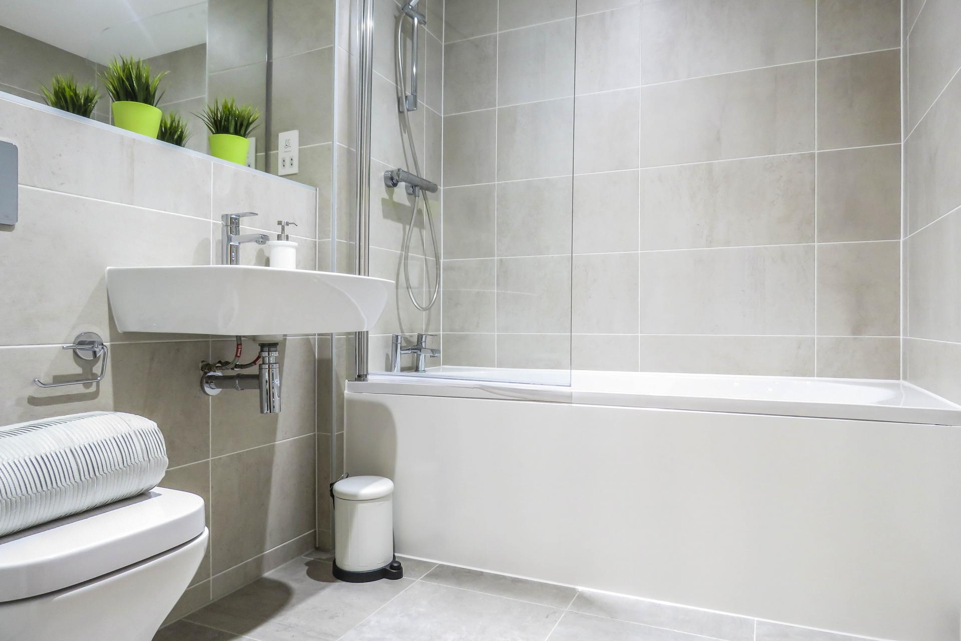 Bath at Jewellery Quarter Serviced Apartments