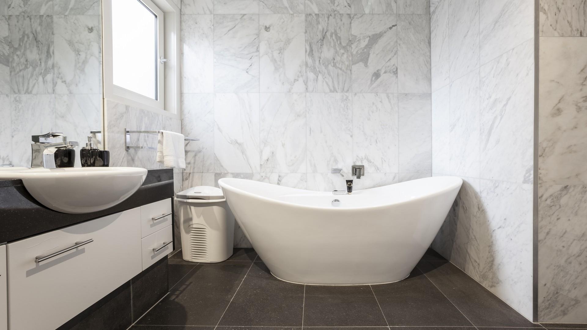 Bathroom at Elwood Hideaway Apartment