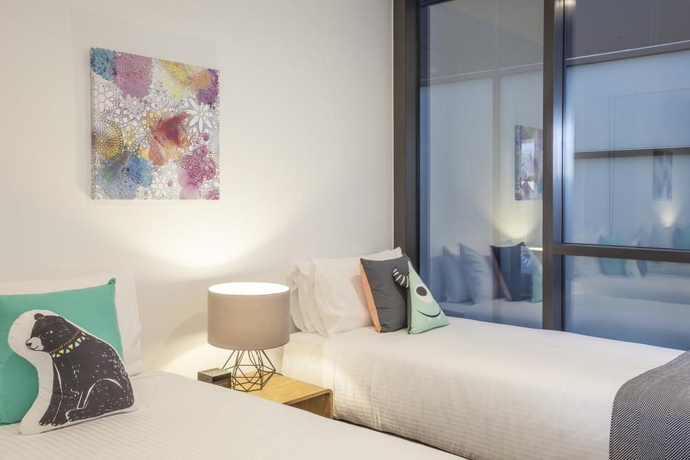Zip and link beds at Hampton Hub Apartment