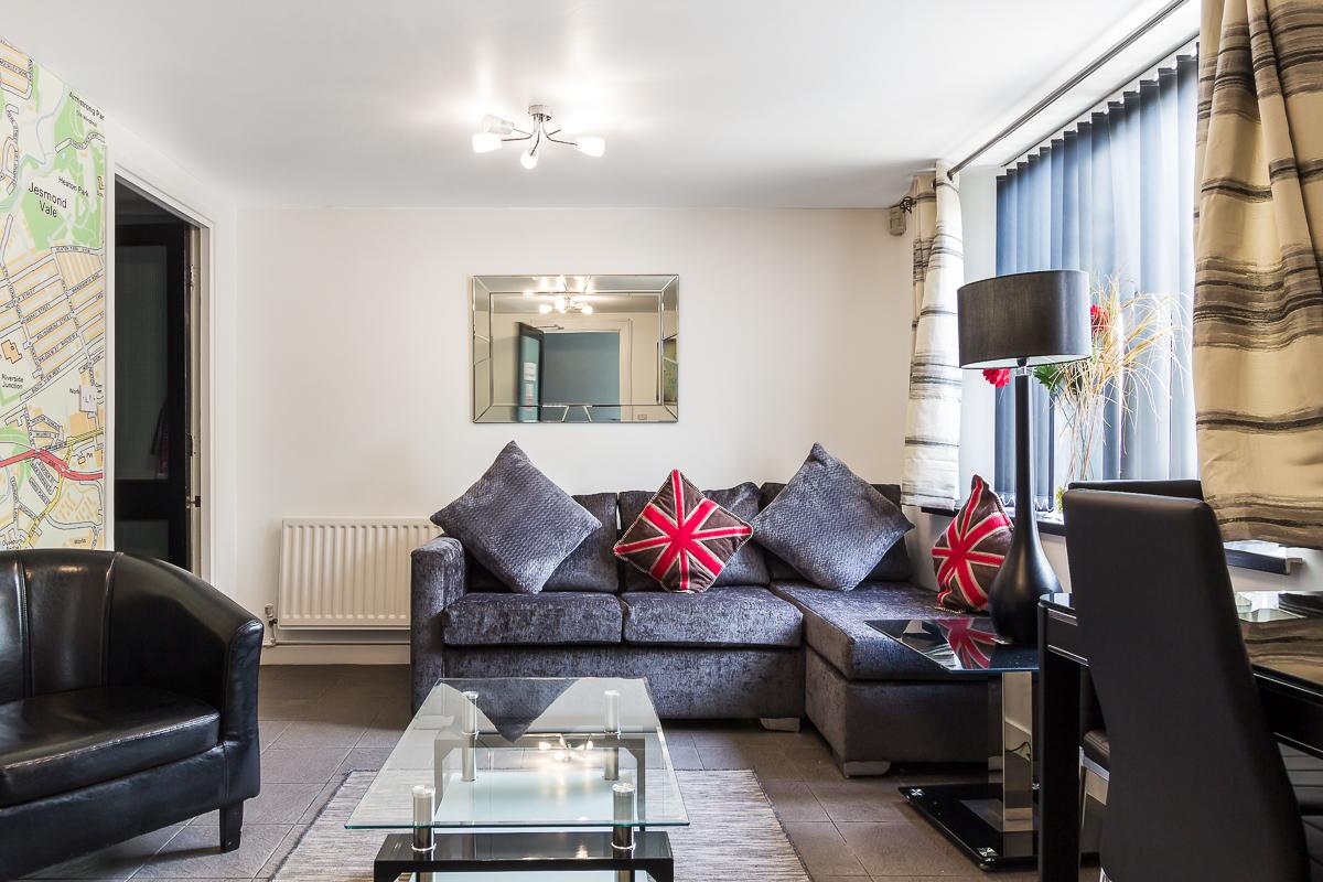 Sofa at Suitestayzzz Apartments