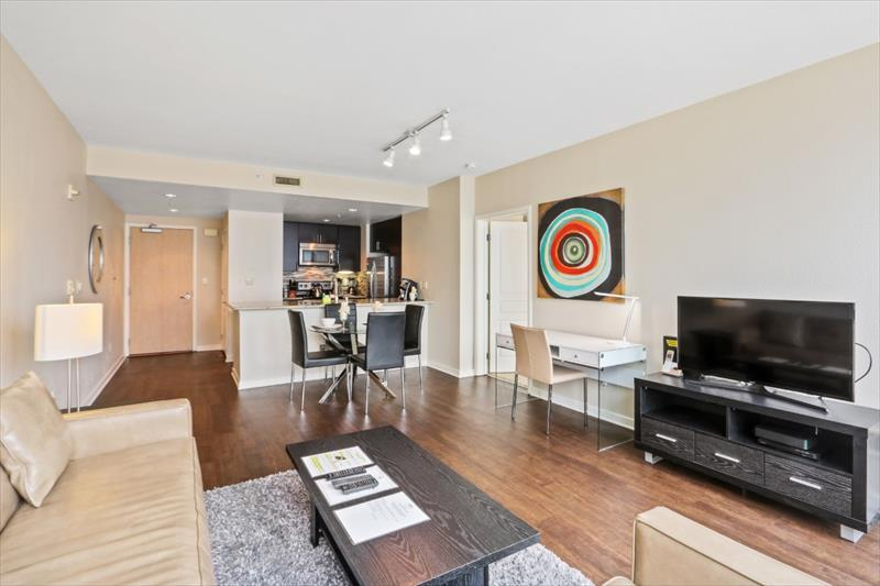 Open-plan at 388 Beale Corporate Housing