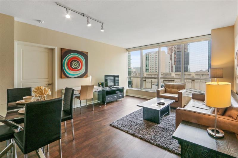 Dining area at 388 Beale Corporate Housing