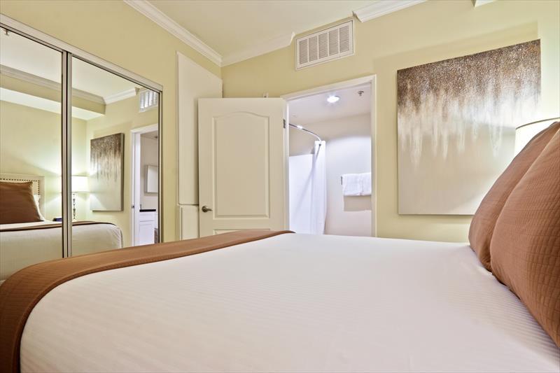 Cosy bedroom at 425 Broadway Apartments