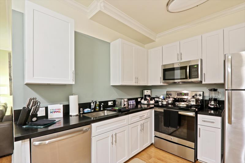 Kitchen at 425 Broadway Apartments