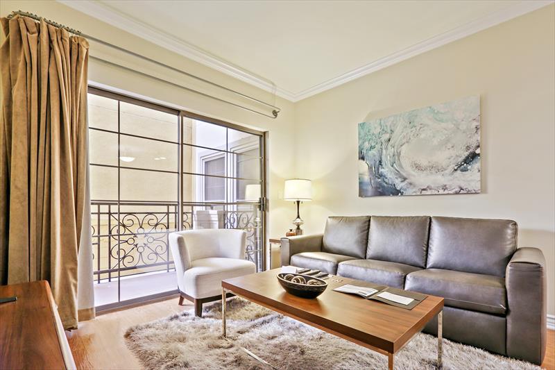 Living room at 425 Broadway Apartments