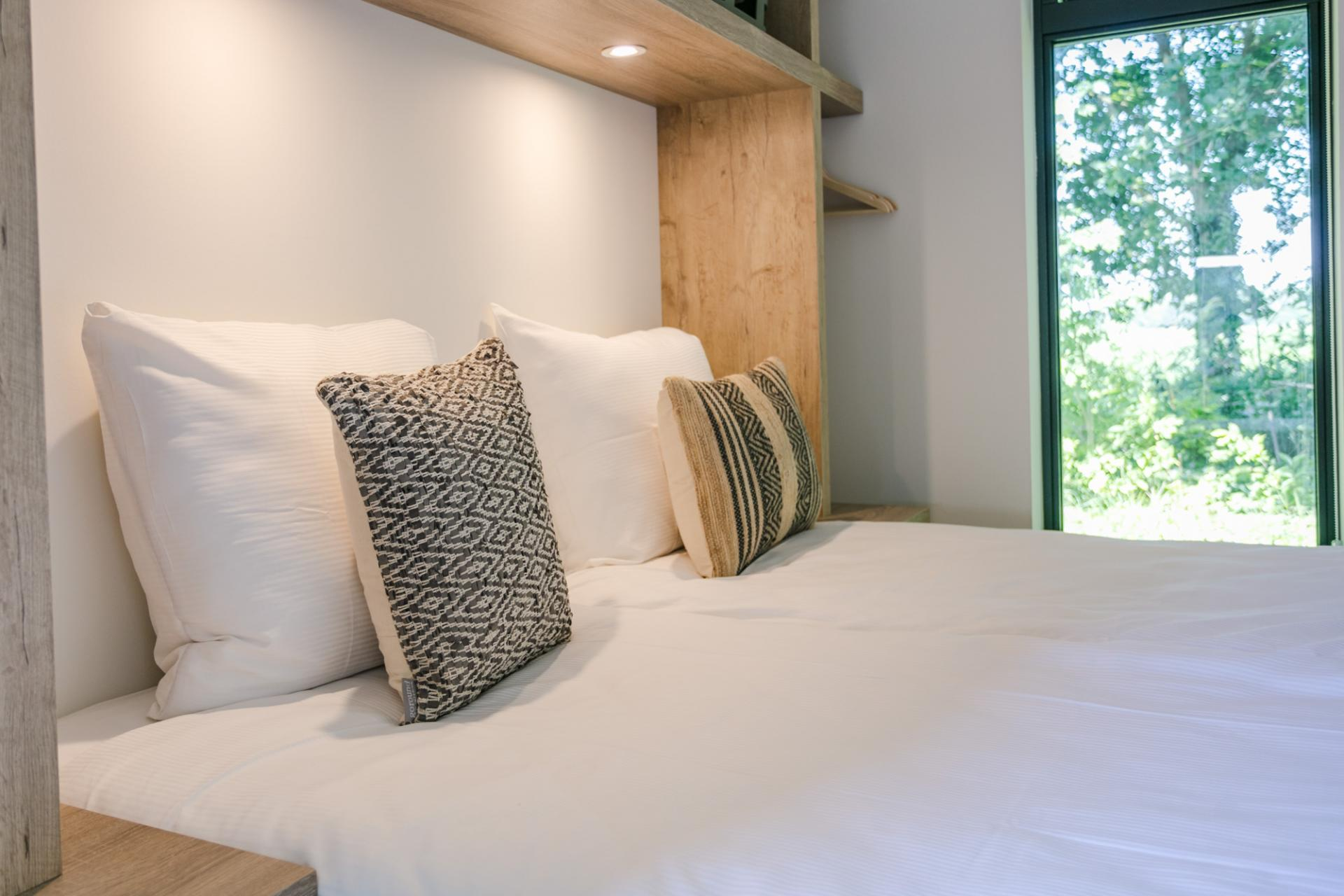 Double bed at Gooilanden Lodges