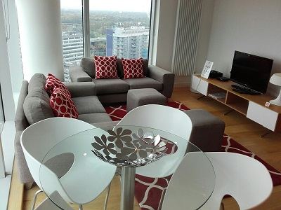 Dining table at Pioneer Point Apartments