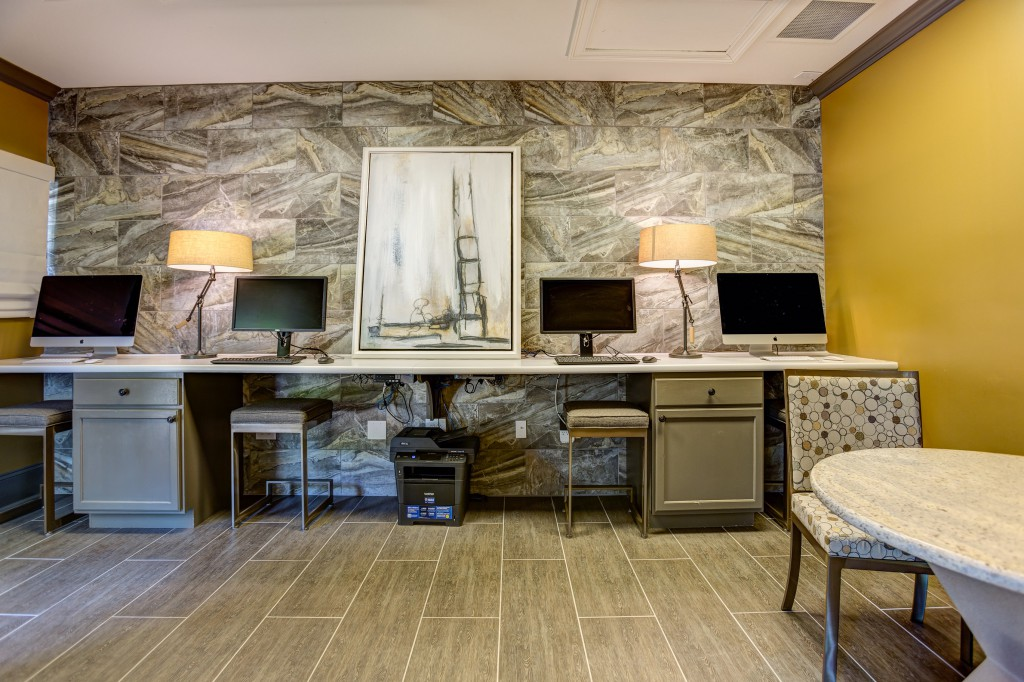 Business Centre atCrowne at Grandview Apartment