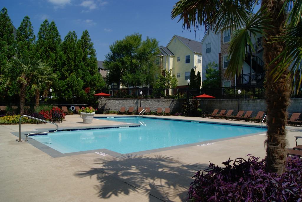 Pool at Crowne at Grandview Apartment