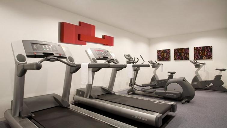High-tech gym in Citadines Shinjuku Apartments