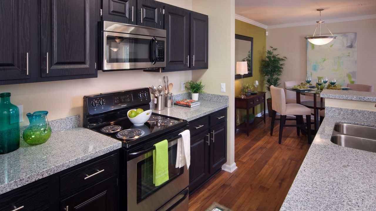 Kitchen at 150 Summit Serviced Apartment