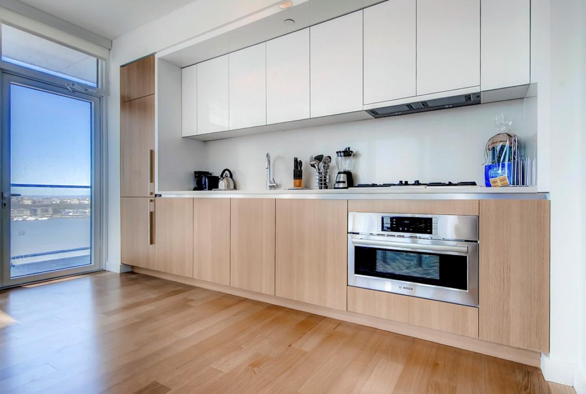 Kitchen at 923 Folsom Street Apartments, Soma, San Francisco