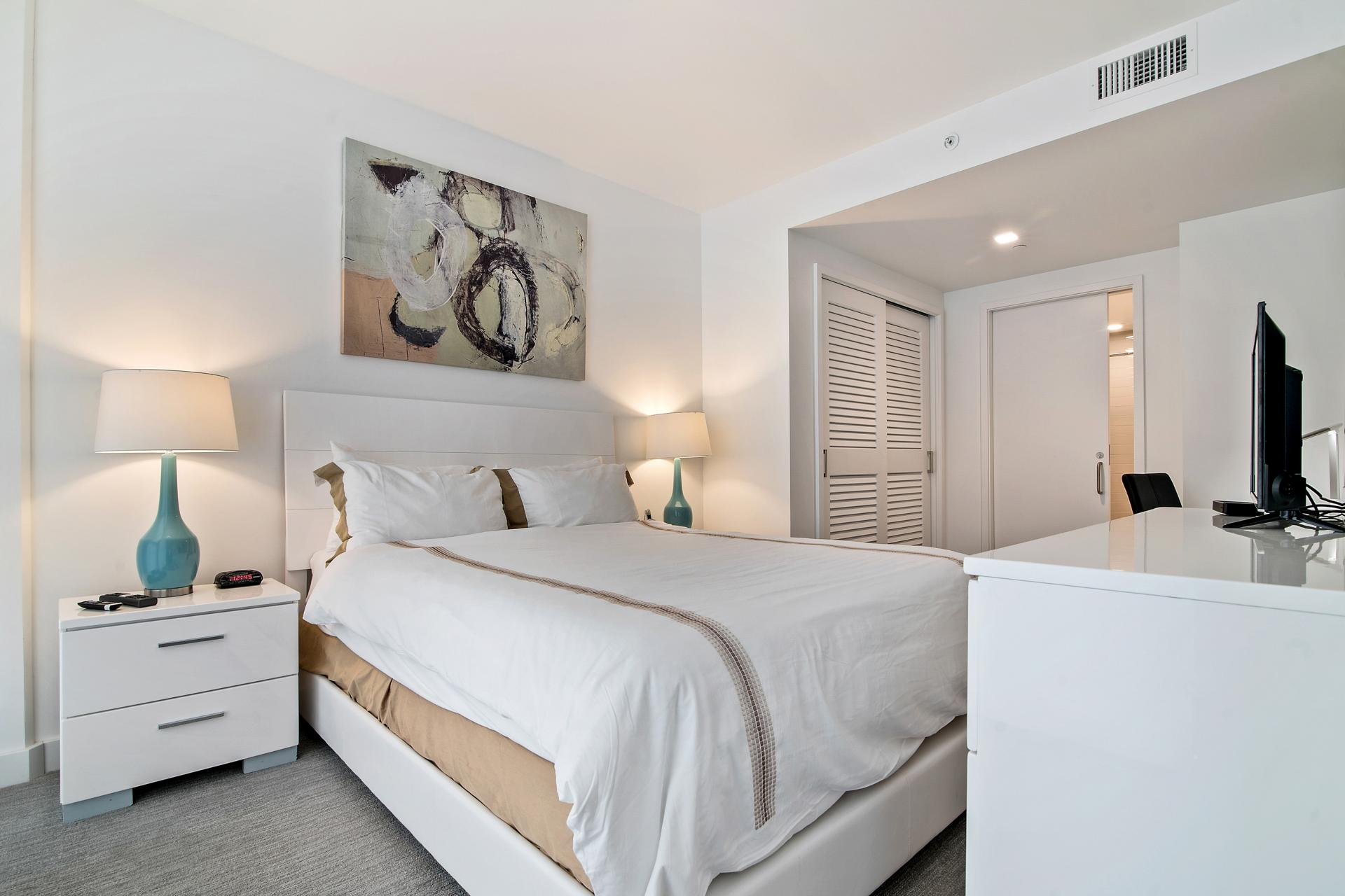 Bedroom at 923 Folsom Street Apartments, Soma, San Francisco