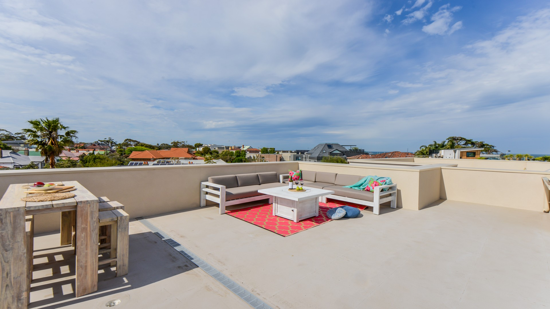 Rooftop terrace at Hampton Lookout Apartment