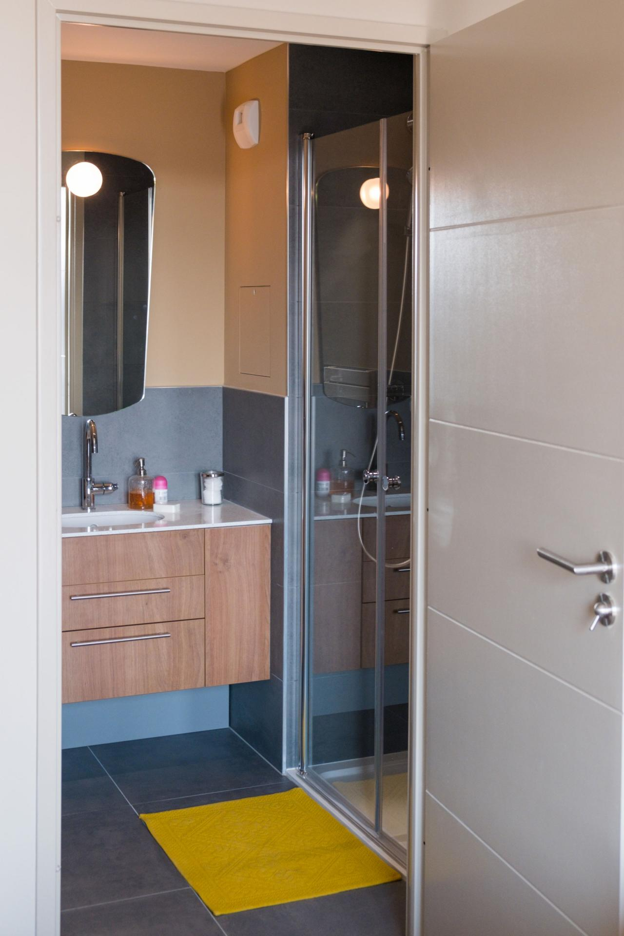 Shower at Residence Paris Auteuil