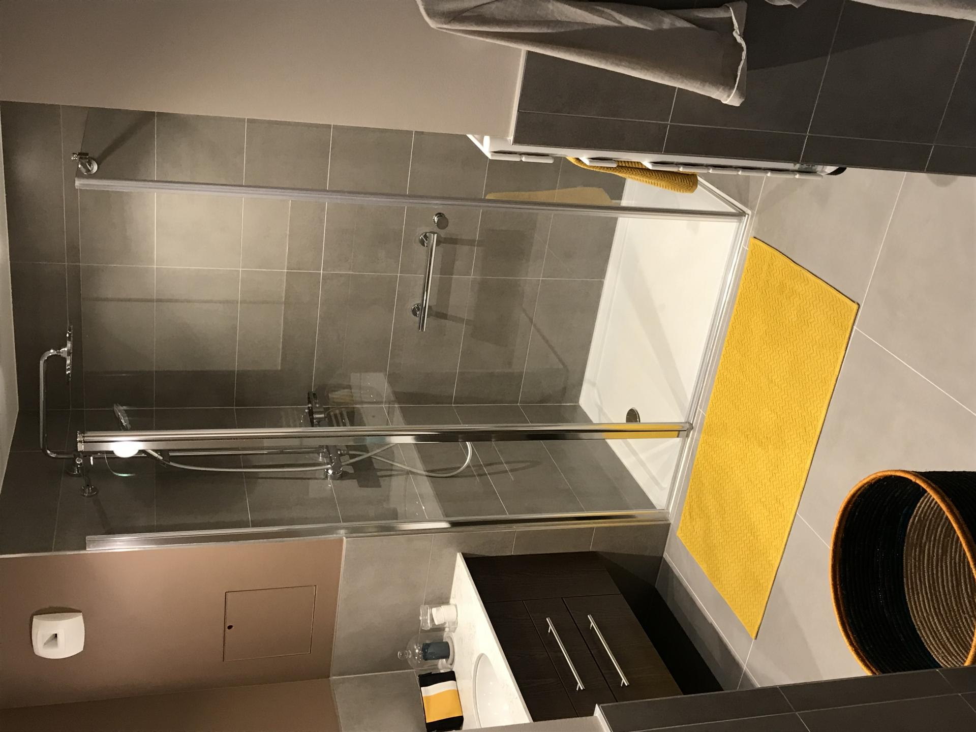 Modern shower at Residence Paris Auteuil