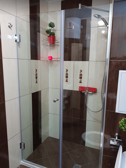 Shower at Pop Manol Apartments