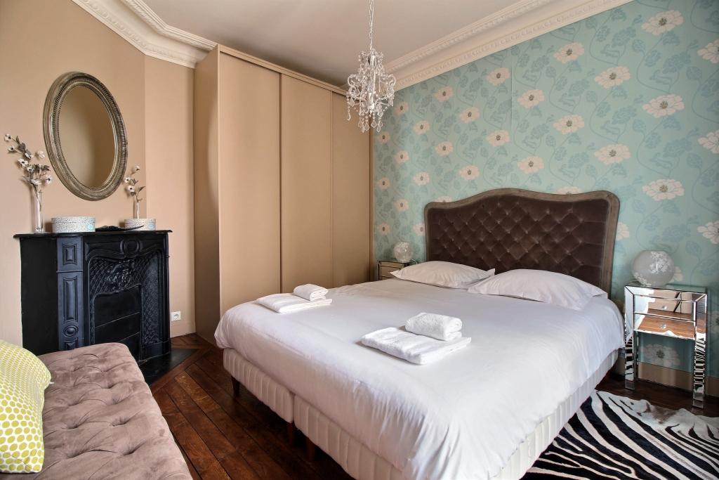 Bedroom at Cozy Gramme Apartment, 15th Arr, Paris