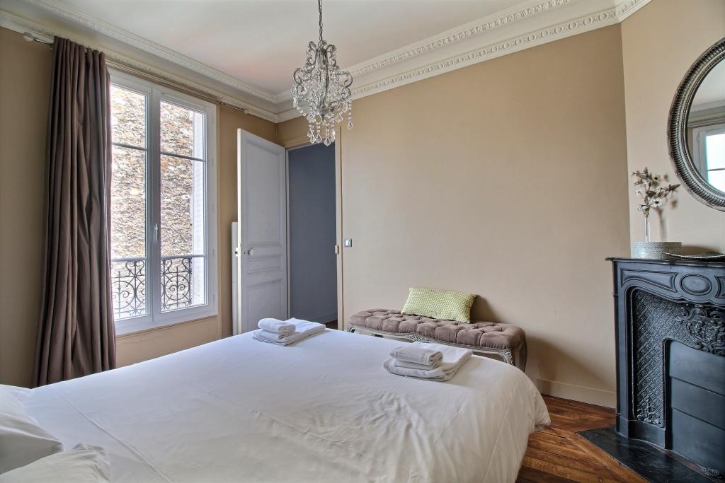 Bed at Cozy Gramme Apartment, 15th Arr, Paris
