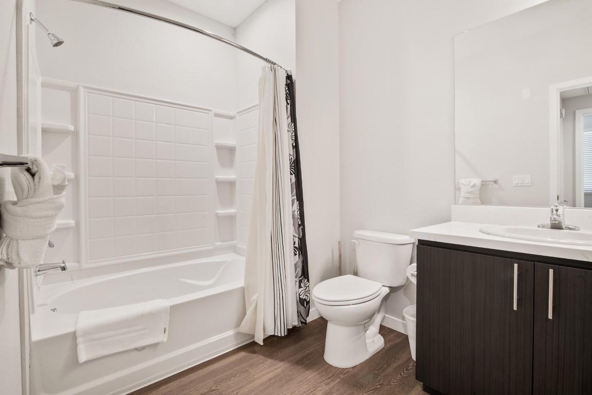 Bath at Anton Menlo Apartments, Friendly Acres, Menlo Park