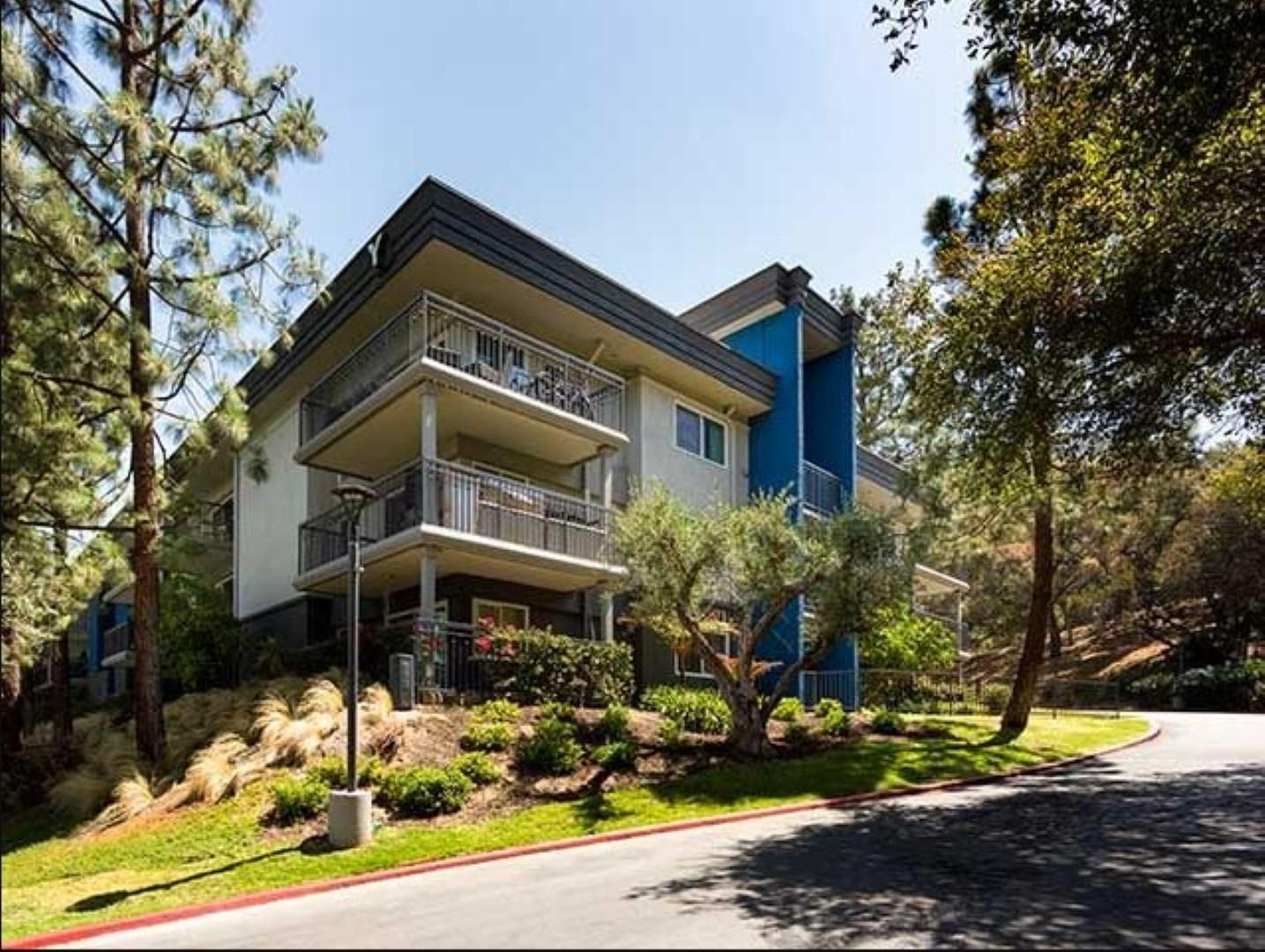 Exterior at Ava Toluca Hills Apartments, Toluca Lake, Los Angeles
