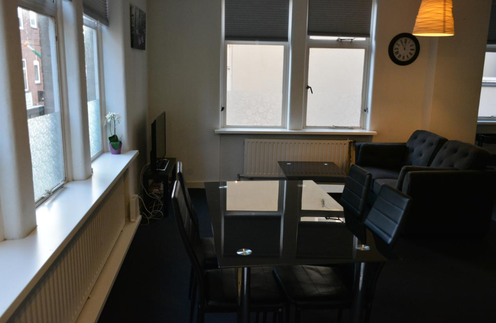 Dining table at Business Korenstraat Apartment