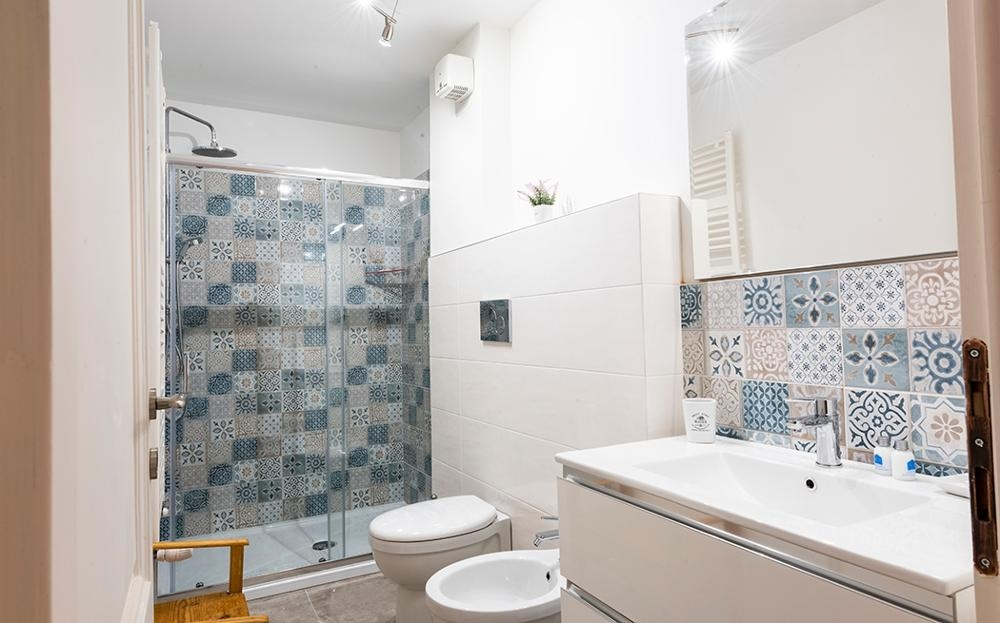 Shower at Fiordaliso Apartment