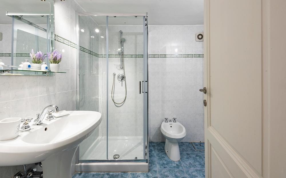 Bathroom at Fiordaliso Apartment