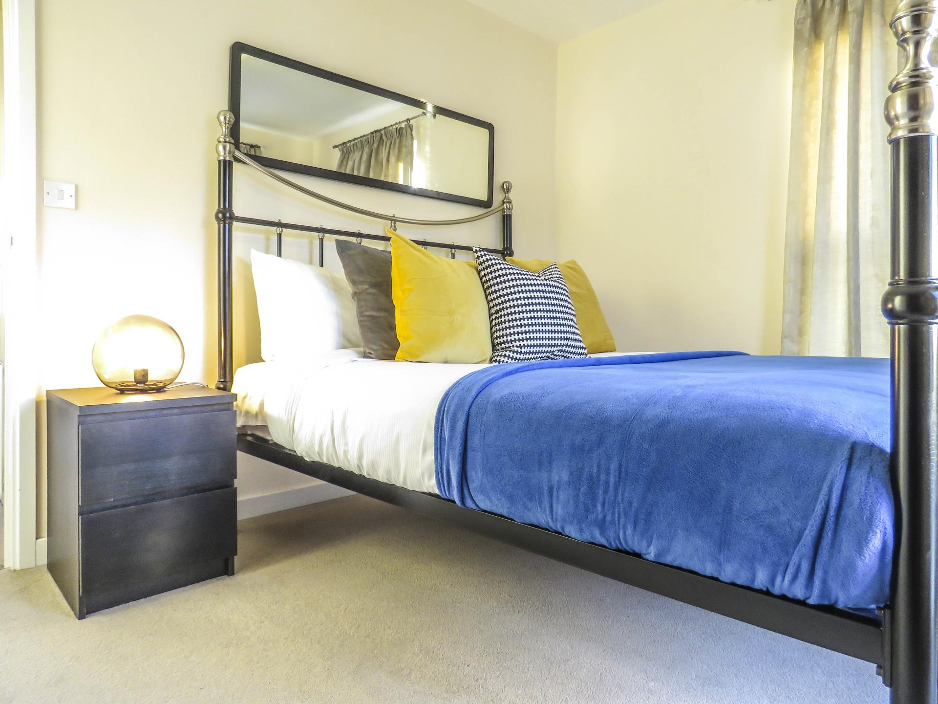 Grand bed at Guildford Townhouse