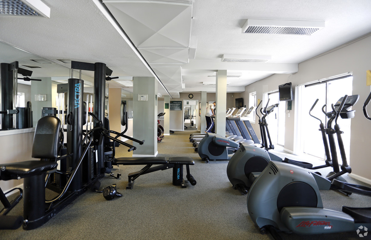 Fitness Centre at Clemens Place Apartment