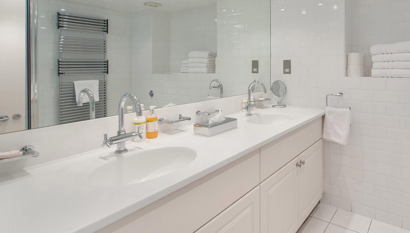 Bright bathroom at Europa House Apartments