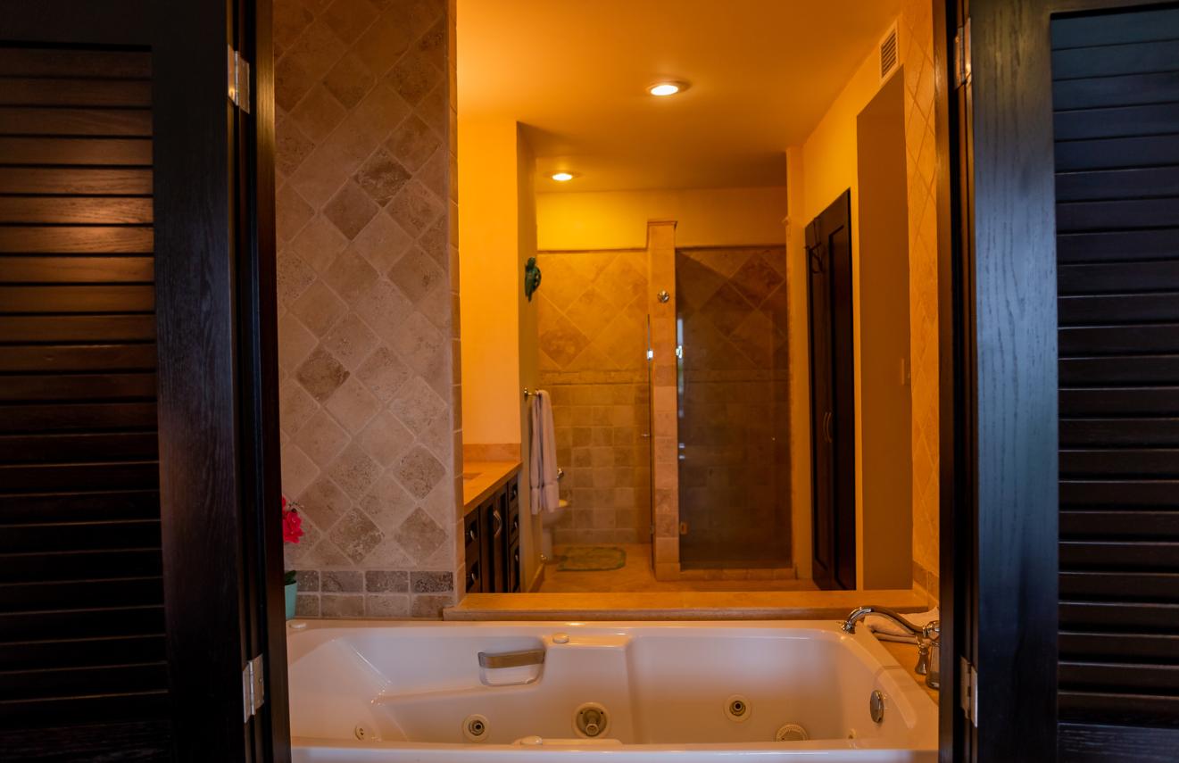 Bath at Puerta Cabos Village Apartment