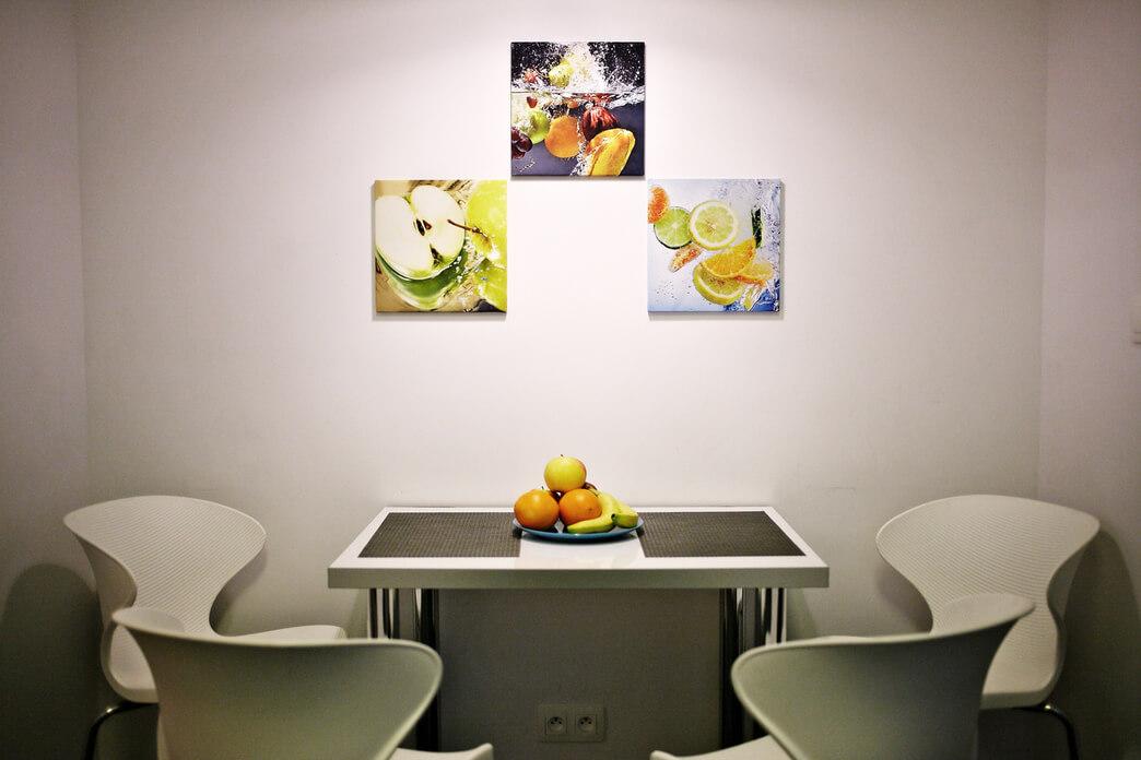Dining table at Starowislna Apartments