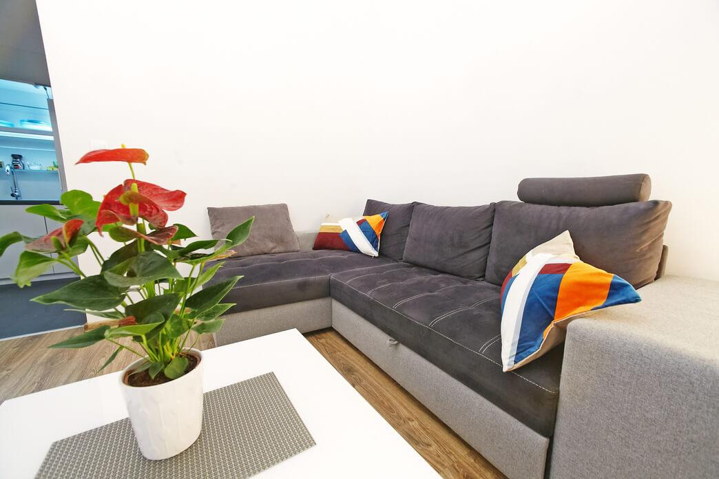 Sofa at Starowislna Apartments