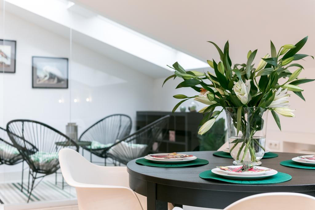 Dining table at Mirowski Square Apartment