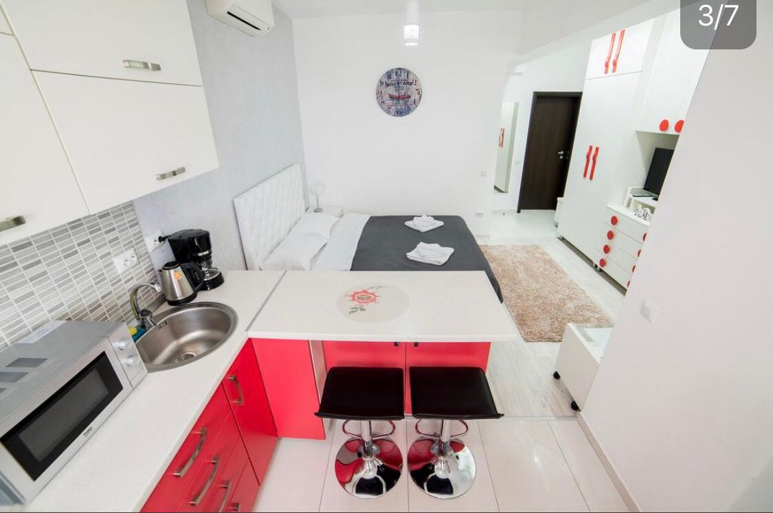 Kitchen facilities at Lazar Residence Apartments
