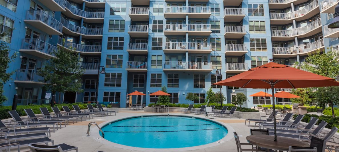 Resort Style Pool at Radius at The Banks