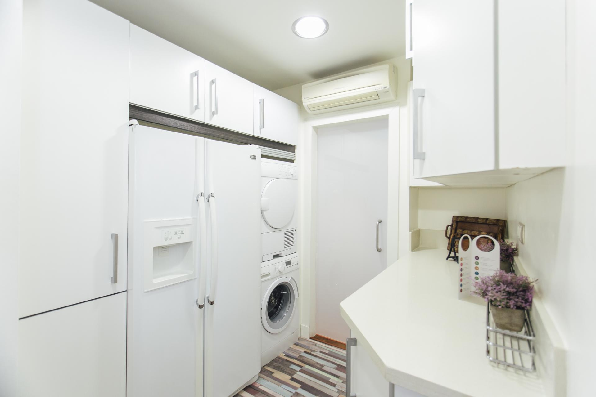 Laundry facilities at Arjona Apartment, Centre, Seville