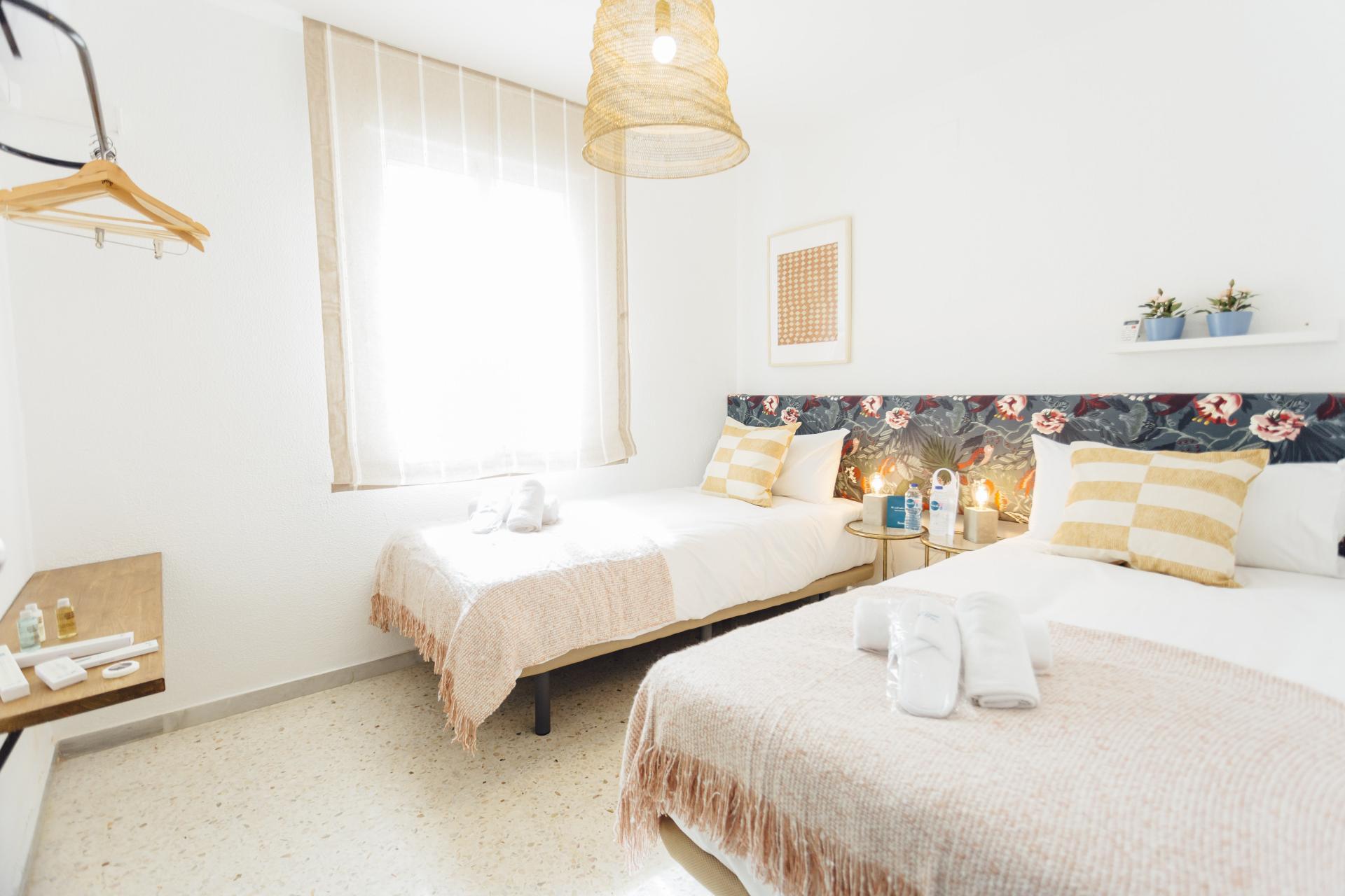 Twin beds at Plaza de Zurradores Apartment