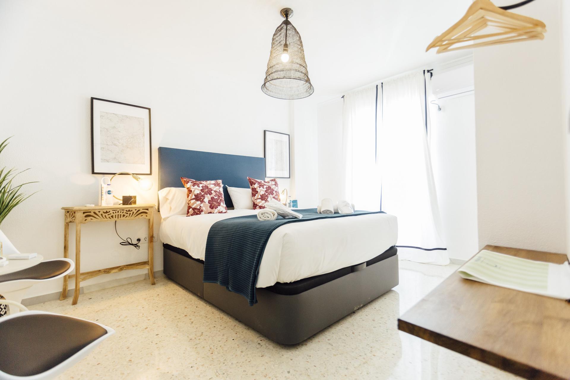Double bed at Plaza de Zurradores Apartment