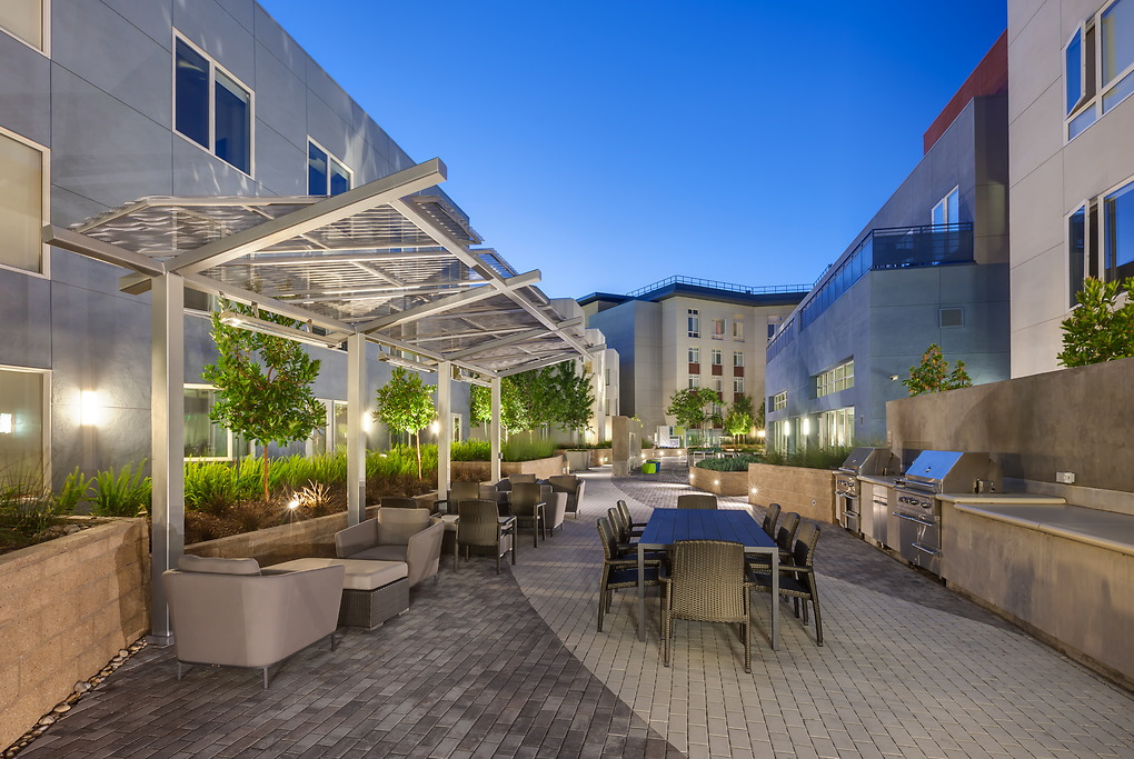 Outdoor area at MB360 I Apartments