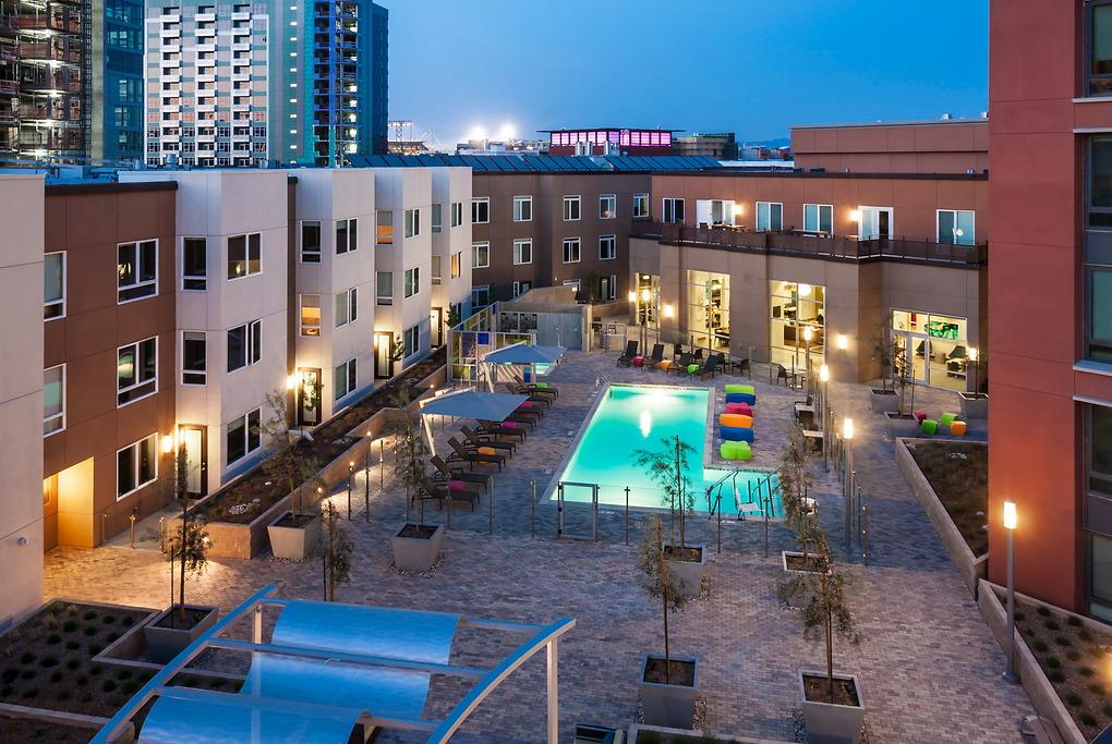 Swimming pool at MB360 I Apartments