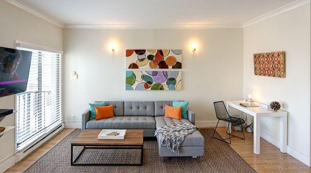 Lounge at Nob Hill Tower Apartment, Nob Hill, San Francisco
