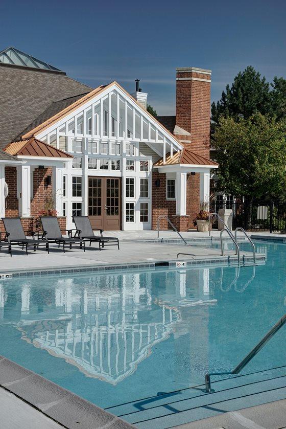 Pool 803 Corday Apartment
