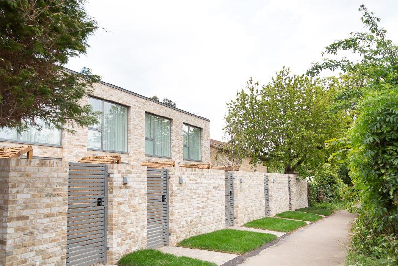 Gates at Park House duplex Apartments, King's Hedges, Cambridge