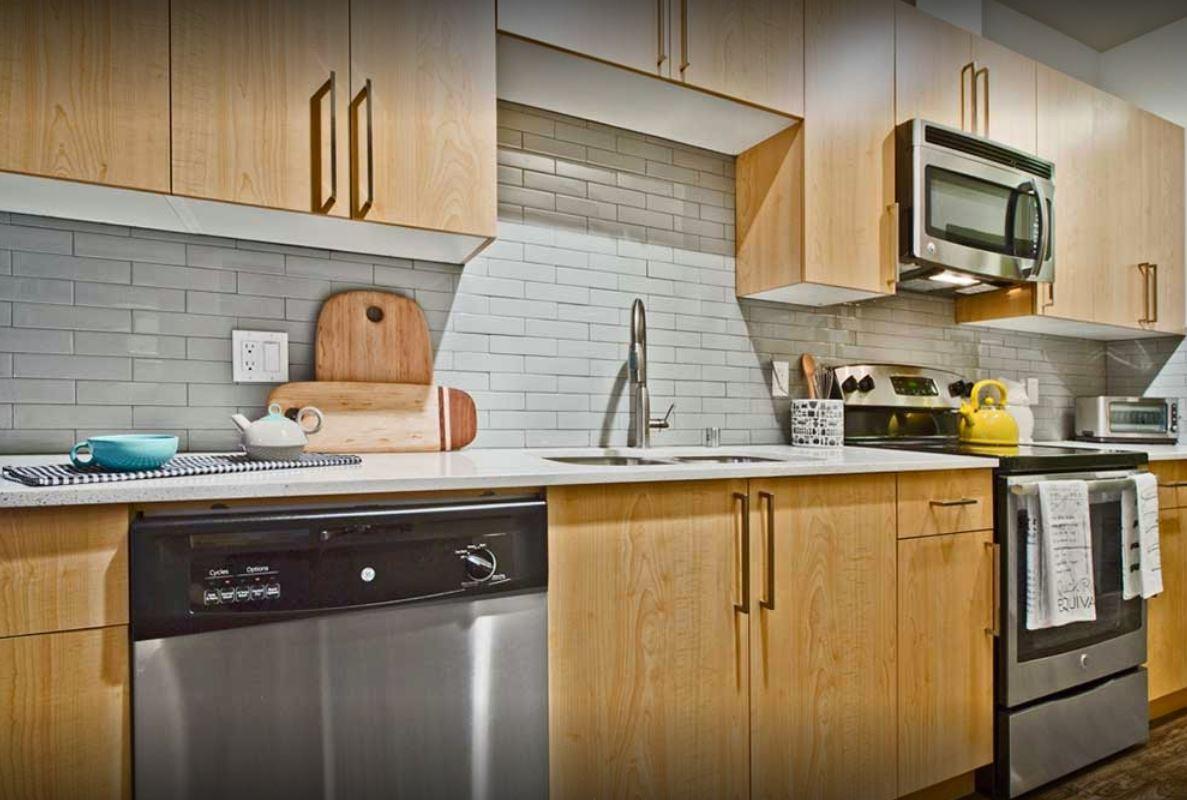 Kitchen  at AMLI Mark 24 Apartments