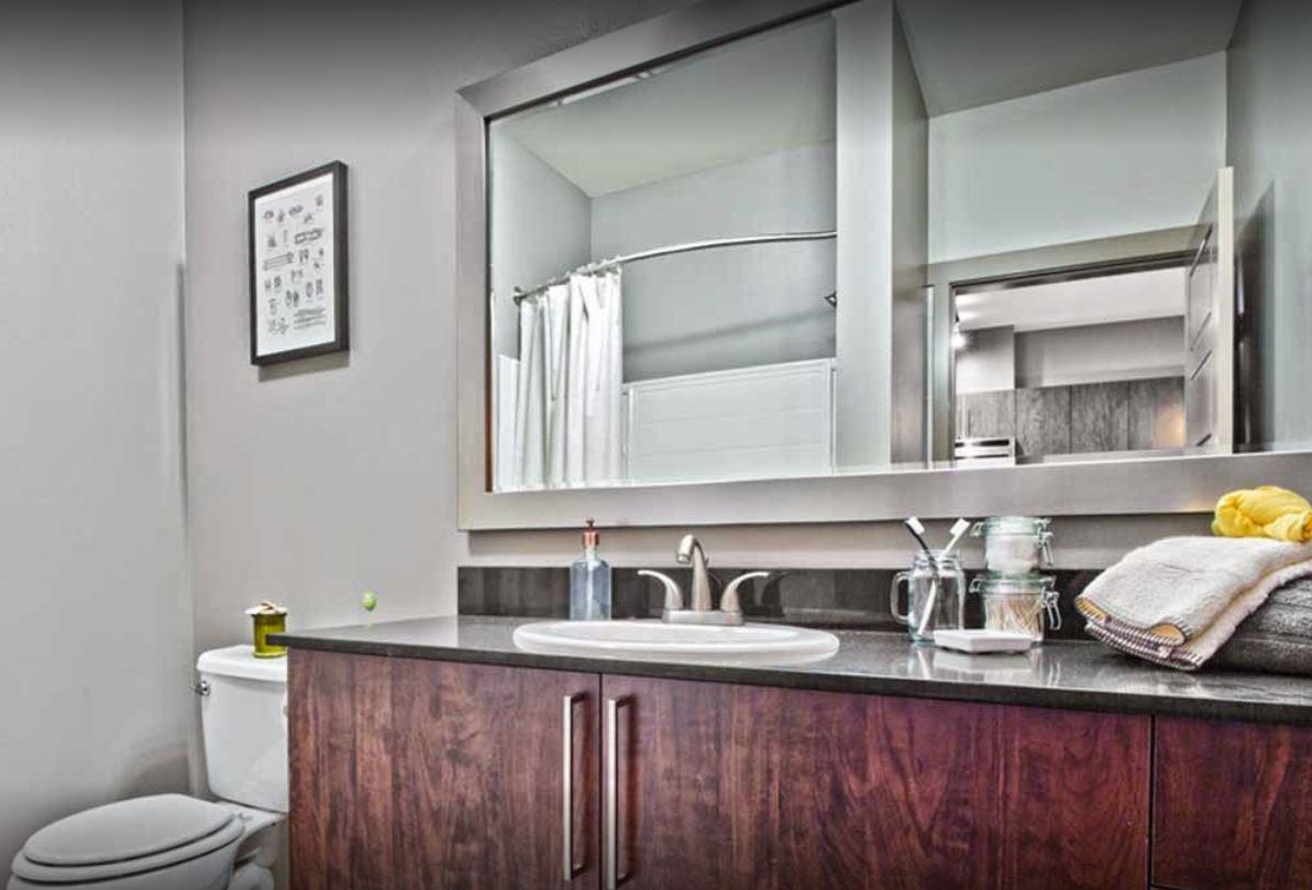 Bathroom  at AMLI Mark 24 Apartments