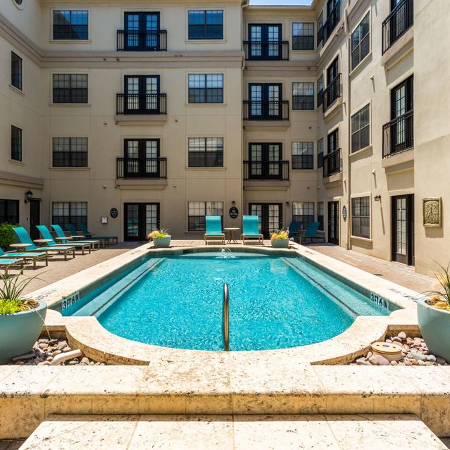 Resort Style Pool at Marquis at Turtle Creek Apartment