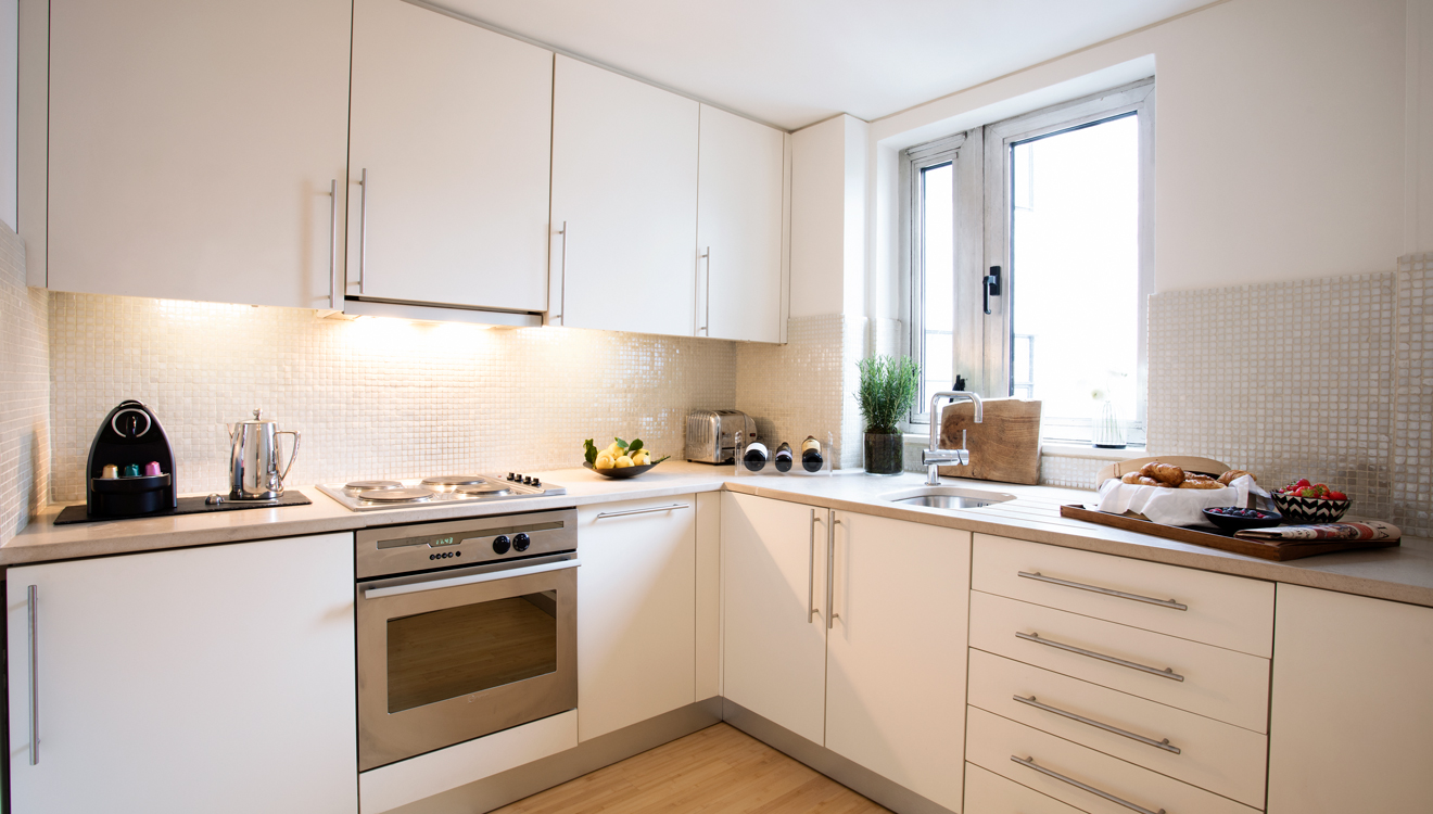 Kitchen facilities at No 5 Maddox Street Apartments